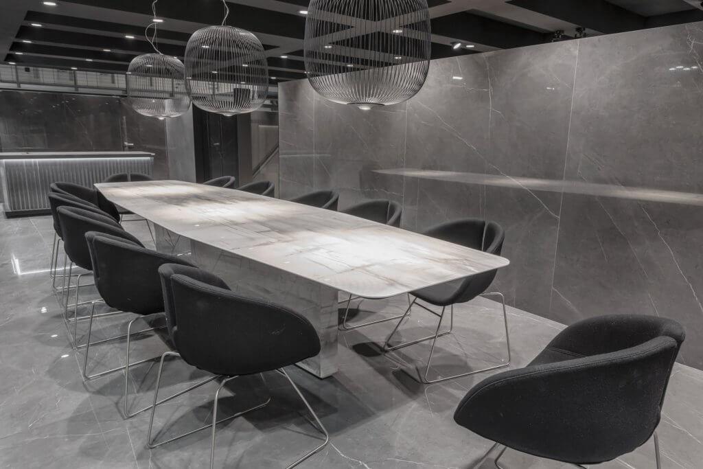porcelanato porcelánico mobiliario muebles azulejos pisos muros oficinas escritorios